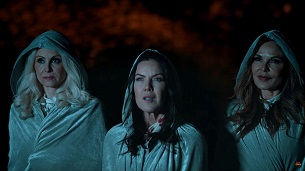 Witches of Amityville Academy (2020)